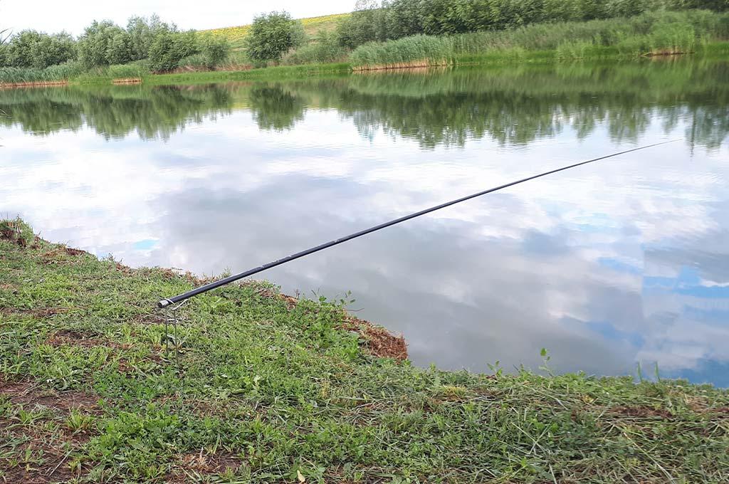 Varga-Pescuit-la-Pluta